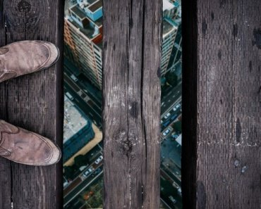 Thinking Outside The Sandbox: Business 5-Business-Financial-Risks-1-370x297 5 Business Financial Risks You Should Keep an Eye On Finances  Financial Risk
